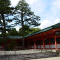写真: 平安神宮の夏空