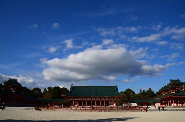 Photos: 秋空の平安神宮