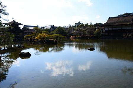 早春の栖凰池