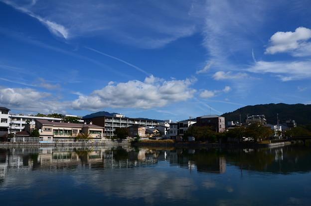 秋空の夷川ダム