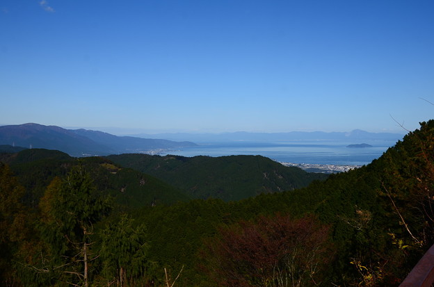山頂バス停脇からの眺望