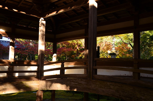 西明寺の紅葉景色