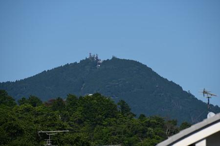 上賀茂神社から見る比叡山