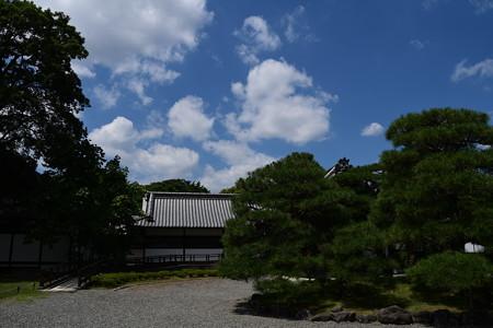 夏空の閑院宮邸跡