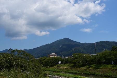 高野川から見る比叡山