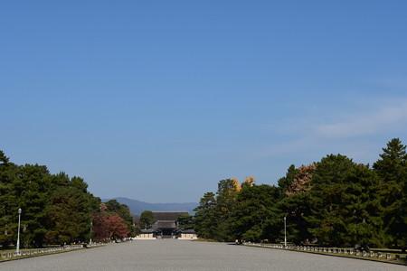 秋空の京都御所