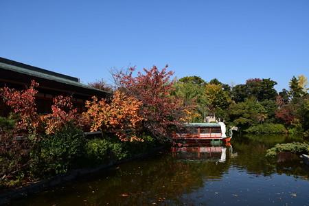 紅葉の神泉苑