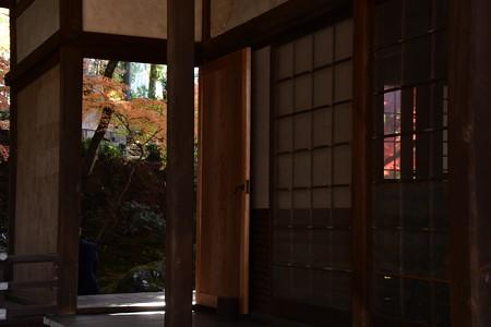 栄摂院の紅葉景色