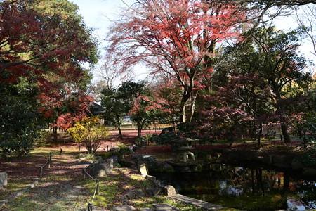 閑院宮邸跡の紅葉景色