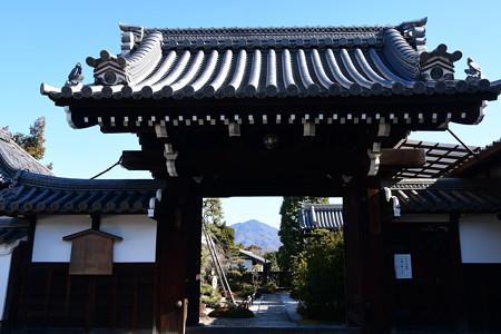天寧寺額縁門