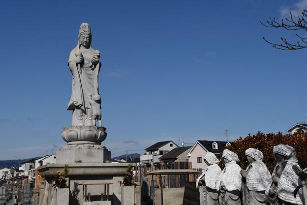本満寺墓地