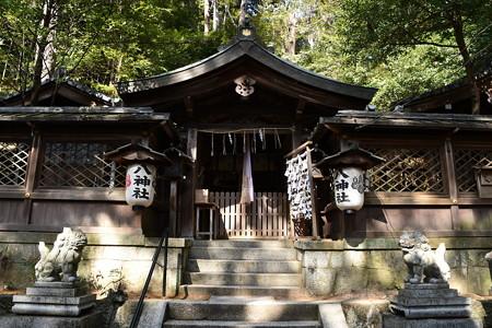 八神社本殿