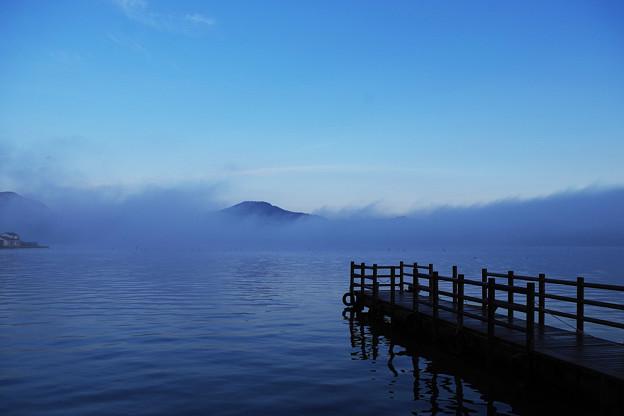 朝の三方湖2