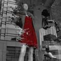 Photos: 赤い服の女