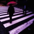 Photos: 急ぐ赤い傘