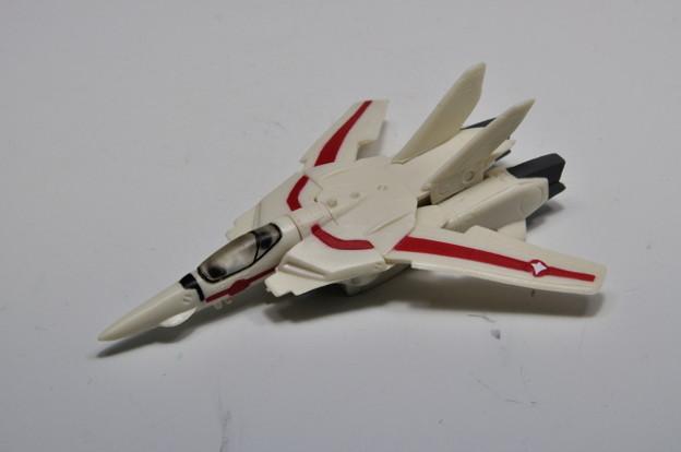 Photos: バンダイ_HGシリーズ 超時空要塞マクロス ~MISSION 1~ VF-1J バルキリー ファイター_001