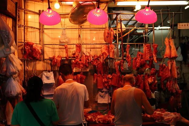 Photos: 紅い精肉店