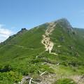 写真: 東天狗岳へ