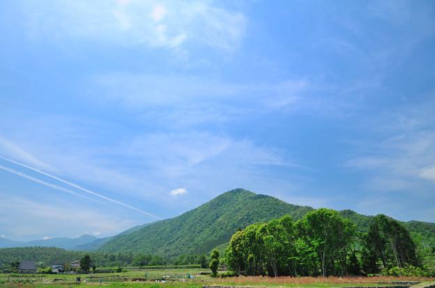 比良山と青空