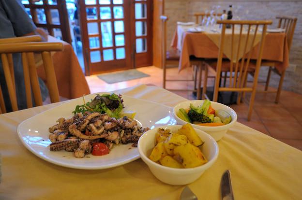 マルサルシュロクのレストラン
