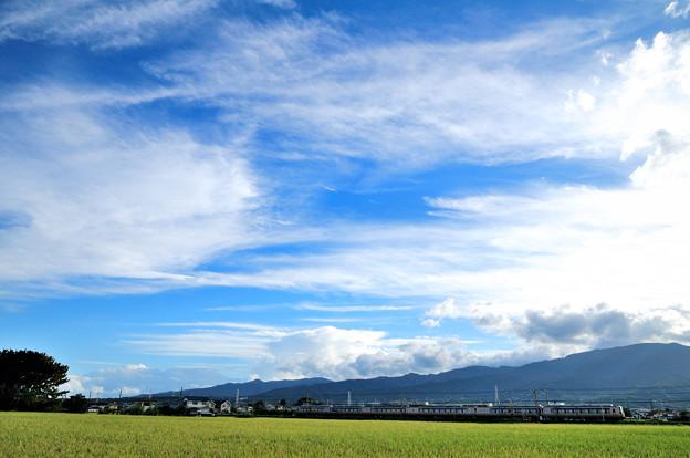 流れる雲とロマンスカー