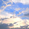 写真: 雲の向こうの輝き