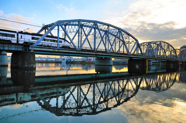 トラス橋シルエット