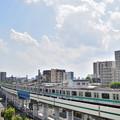 千代田線を走るE233系電車