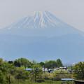 Photos: 富士山とE353系特急あずさ号