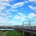 乱舞する雲と京成電車 3500形