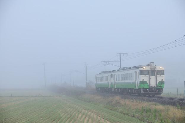 磐越西線 霧の中を行くローカル列車