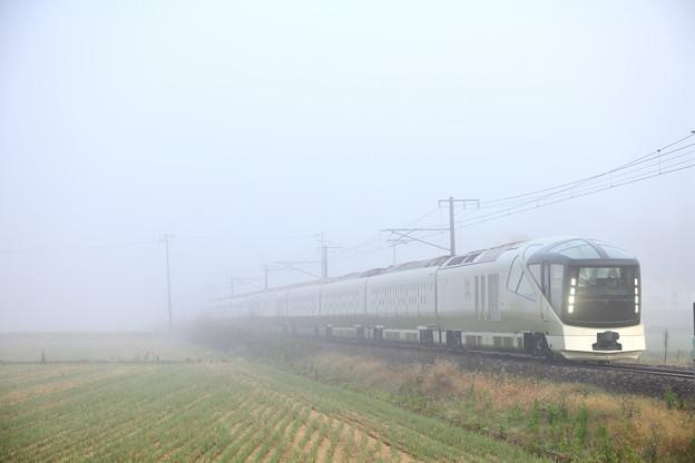 磐越西線 霧の中を行く四季島