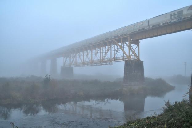 磐越西線 一の戸橋梁を渡る四季島