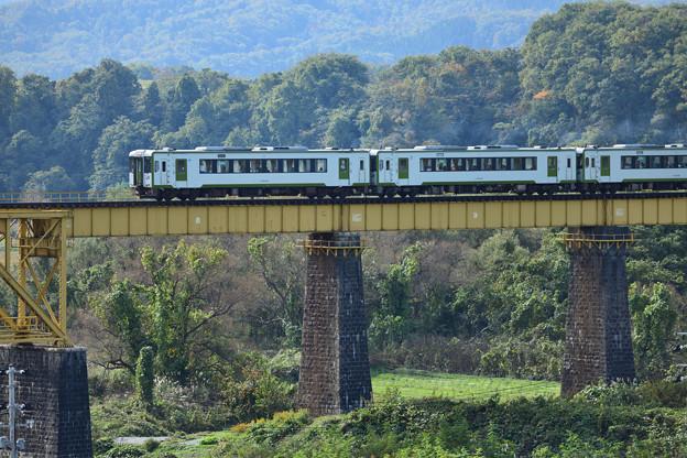 磐越西線 一の戸橋梁を渡るローカル列車