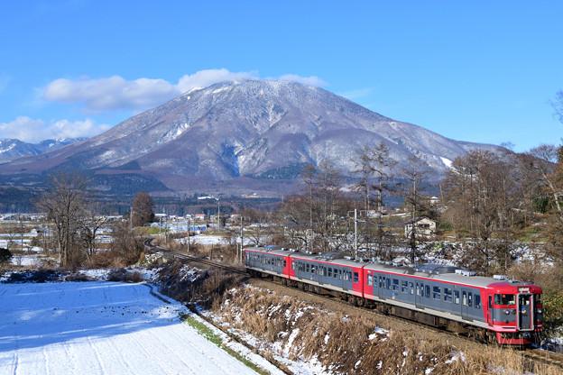 新雪の黒姫山を見ながら