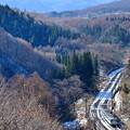Photos: 信濃の国から越後へ向かう列車