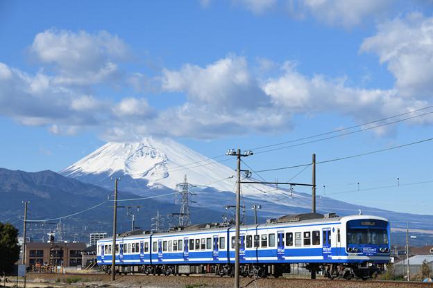 富士山と3000系電車