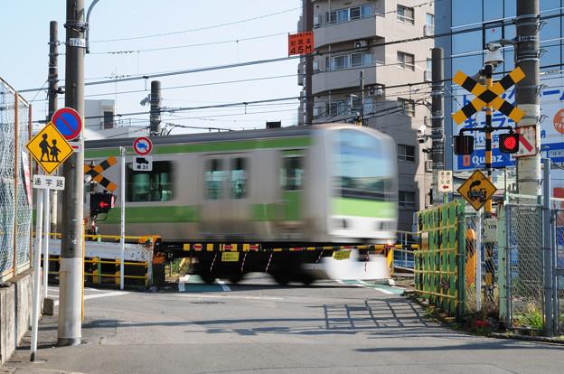 Photos: 都会の踏切