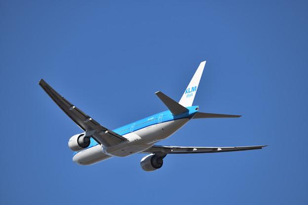 去りゆくKLMオランダ機
