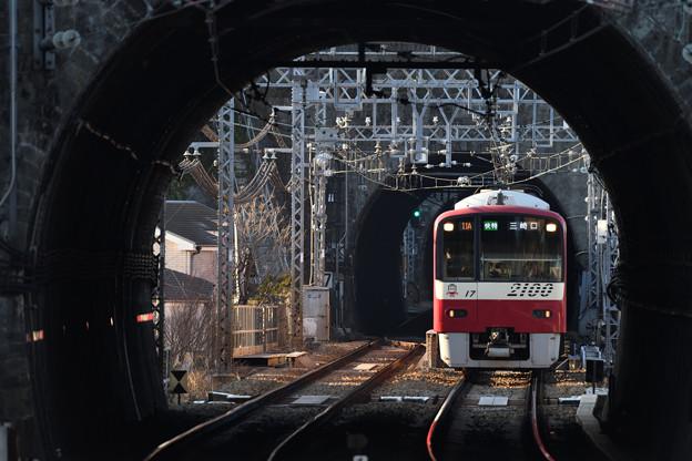 2100形 快特三崎口行き電車