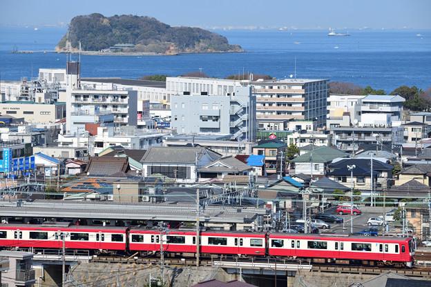 猿島と1000形電車
