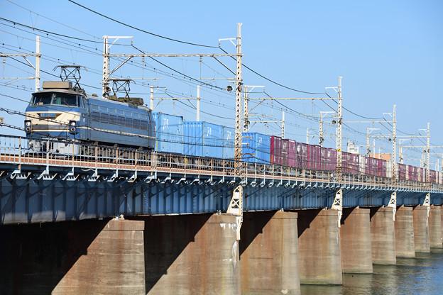 EF66電気機関車牽引のコンテナ貨物
