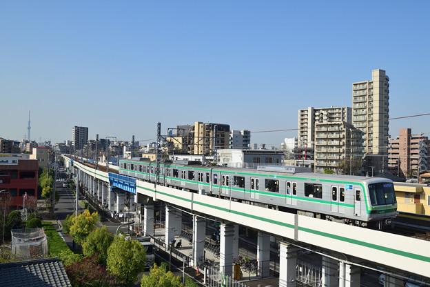 東京メトロ千代田線05系電車