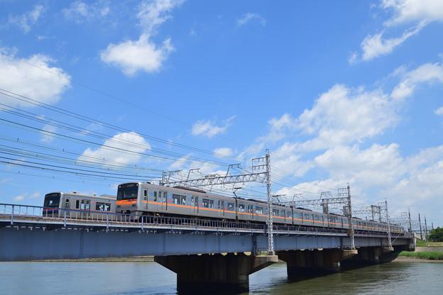 京成電鉄 3000形電車 すれちがい