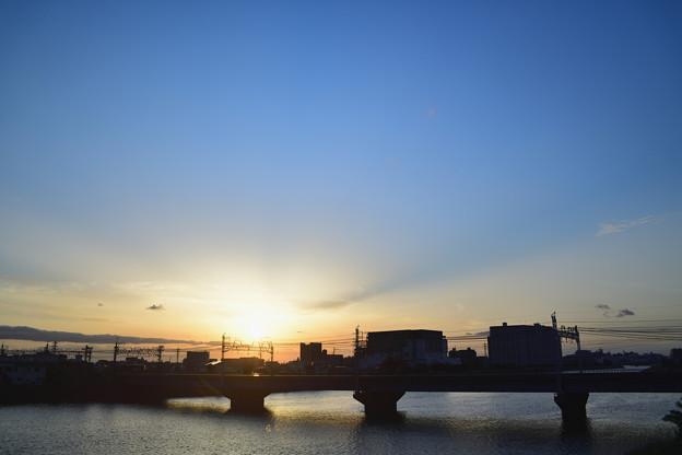 中川橋梁に陽が沈む