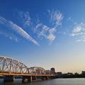 鉄橋を渡る雲