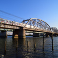 Photos: 夕日に輝く京成電車