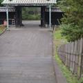 入徳門を見下ろす階段