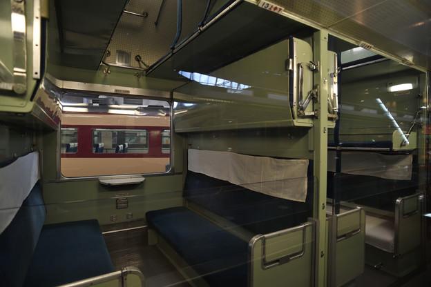 20系寝台列車車内