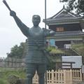 Photos: 真田幸村像と西櫓